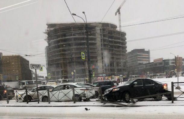Массовое ДТП наЗаневском проспекте спровоцировало пробку
