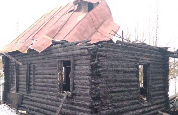 Две женщины иподросток погибли впожаре вЛенобласти