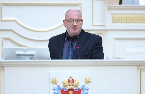 Смольнинский суд принял иск Резника кБеглову