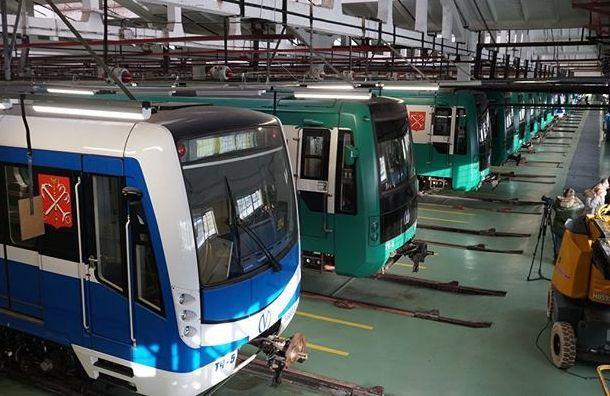 Сотрудники метро раскрыли тайну «глазок» вкабине машиниста