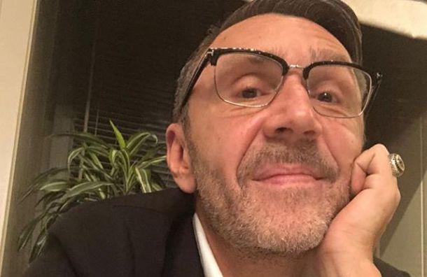 Шнуров встихах прокомментировал свое включение всовет при Госдуме
