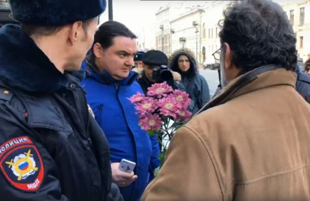 Мемориал появился наместе смертельного ДТП наНевском