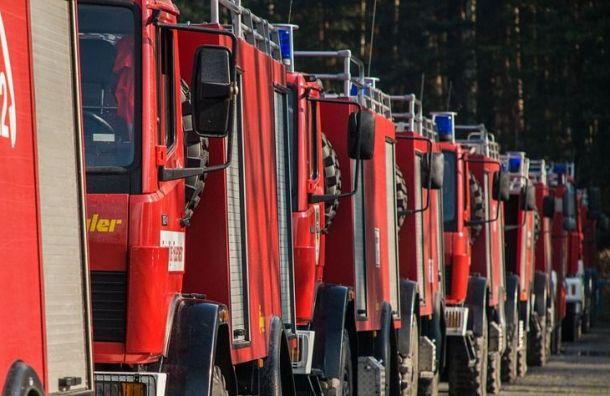 Ночной пожар наулице Шкапина тушили 75 спасателей
