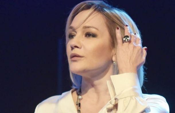 Татьяна Буланова через суд требует алименты уВладислава Радимова