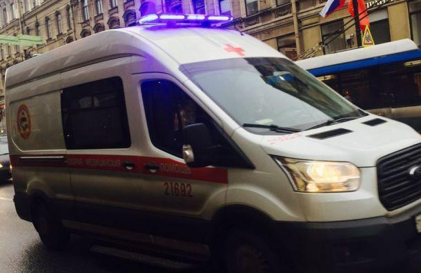 Троллейбус сбил мужчину наНевском проспекте