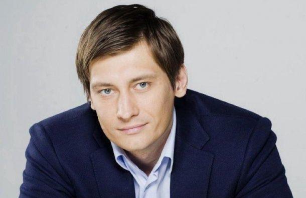 Гудков вызвал сенатора Клишаса наполитический «спарринг»