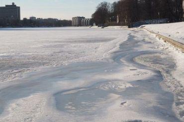 Вмерзшее влед тело петербуржца нашли вРыбацком