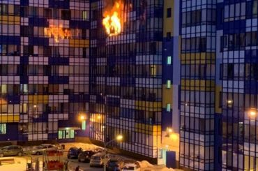 Спасатели долго ехали напожар вКудрове из-за запаркованности дворов