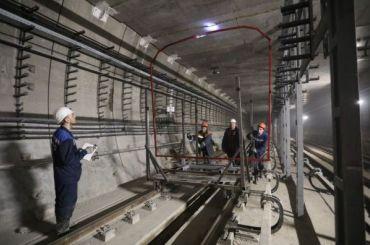 Смольный пообещал выплатить метростроевцам зарплату задекабрь