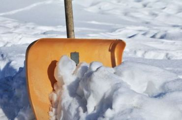 Уборкой снега ввыходные займутся петербургские чиновники