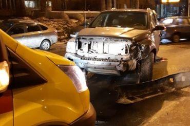 Водитель Nissan пострадал вДТП наИскровском проспекте