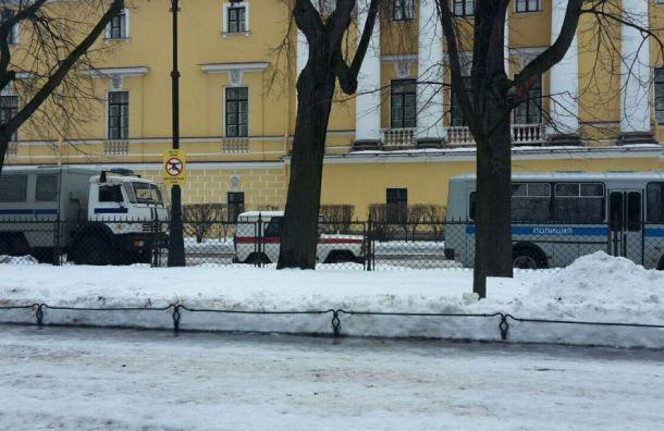 Силовики собрались вцентре Петербурга из-за «Марша материнского гнева»