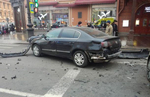 Полиция возбудила уголовное дело пофакту аварии наНевском