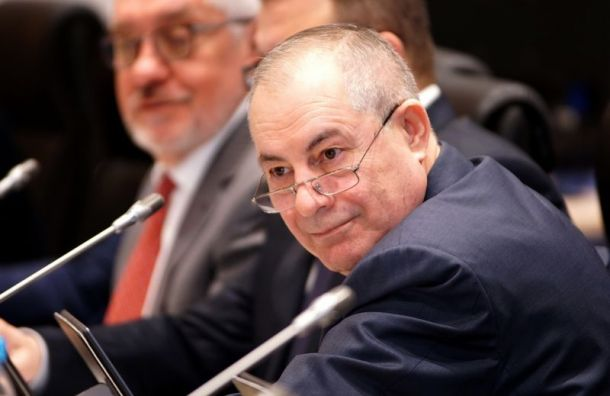 Единорос: «Пенсию 8 тысяч рублей получают алкаши итунеядцы»