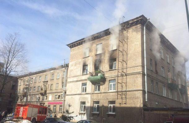 Два человека пострадали при пожаре наСестрорецкой улице