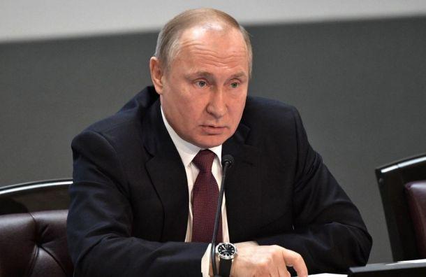 Путин считает, что вПетербурге «надо укреплять» команду управленцев