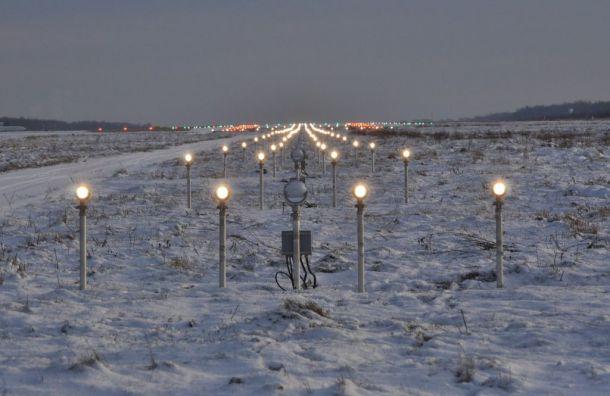 Шесть самолетов зависли над аэропортом Пулково из-за метели
