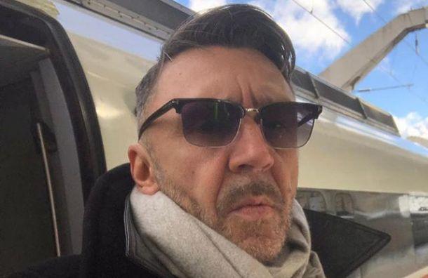 Шторм вынудил Шнурова променять самолет на«Сапсан»