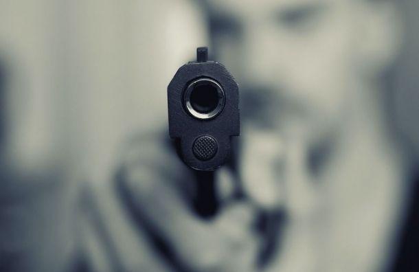 Петербуржец раненым лицом напугал обитателей роддома