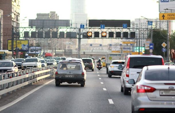 Российским водителям пока негрозят новые штрафы запревышение скорости