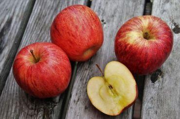 Россия запретила ввозить турецкие яблоки через Белоруссию