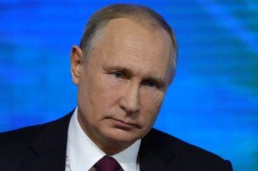 Путин: женщины вРоссии работают насовесть