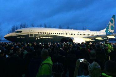 Корпорация Boeing согласилась срешением Трампа оприостановке полетов 737 Мах