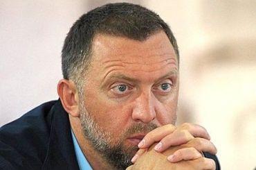 СМИ: Олег Дерпаска развелся сженой Полиной больше года назад