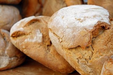Производившую хлеб «избудущего» фирму проверила прокуратура