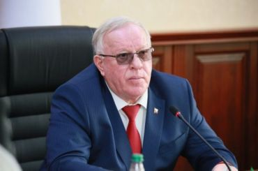 Глава Алтая: люди бегут от«Единой России» как черт отладана