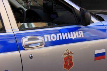 Директор петербургской фирмы нашел привязанную кручке джипа гранату