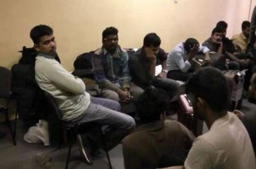 Почти 30 мигрантов изИндии задержали вПетербурге
