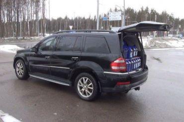 Полицейские вПетербурге изъяли 130 канистр метаноловой стеклоомывайки
