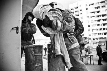 Спасатели эвакуировали 15 человек издевятиэтажки наОльховой