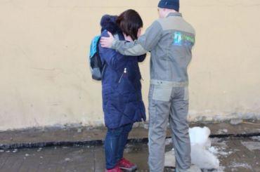 Монтажник спас девушку отупавшей глыбы льда наЛиговском