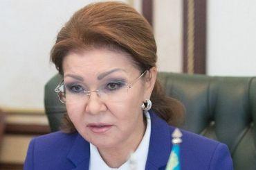 Дочь Назарбаева назвала детей-инвалидов уродами