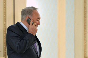 Песков: Назарбаев позвонил Путину запару часов доотставки