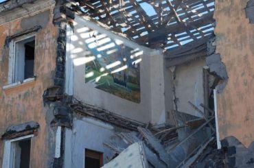 Петербуржец заплатит штраф заперепланировку, из-за которой покосился дом