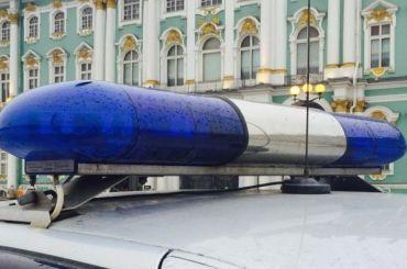 Кавказец с«розочкой» ограбил женщину влифте ипопросил ублажить его