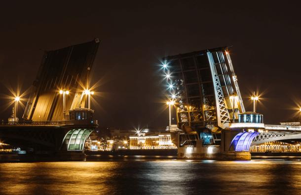Три моста разведут вПетербурге вночь напятницу