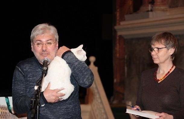 Евгений Водолазкин вДень мецената стал «замурчательным человеком»