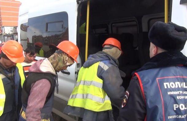 Полицейские нашли вКолпине «резиновые» квартиры смигрантами