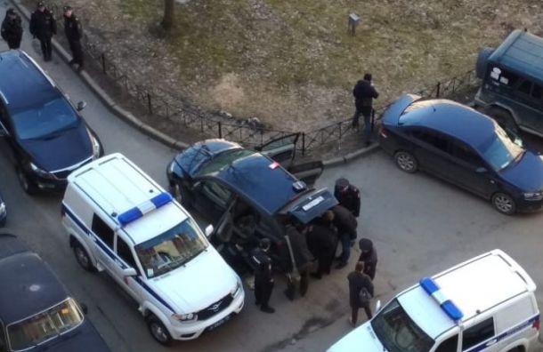 Петербуржец погиб после взрыва гранаты вквартире