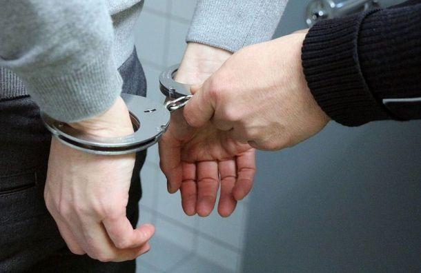 Два гвардейца-контрактника угнали такси сводителем вПетербурге