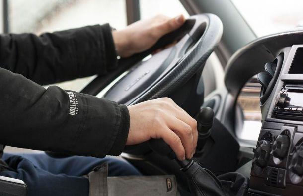 Конкуренция среди водителей растет напетербургском рынке труда