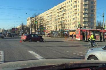 ДТП смаршруткой парализовало Пискаревский проспект