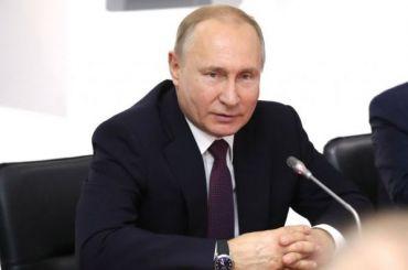 Путин заложил два фрегата вПетербурге