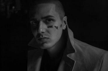 Военкомат отказался призывать рэпера Face из-за татуировок налице