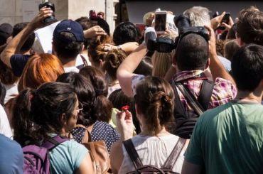Депутаты ЗакСа хотят запретить иностранцам работать гидами