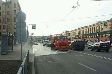 Дорожные службы Петербурга перешли накруглосуточный режим работы